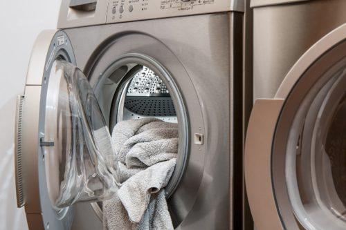 洗濯機とタオル
