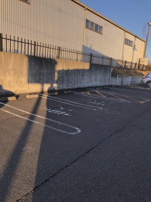 モンテールの駐車場